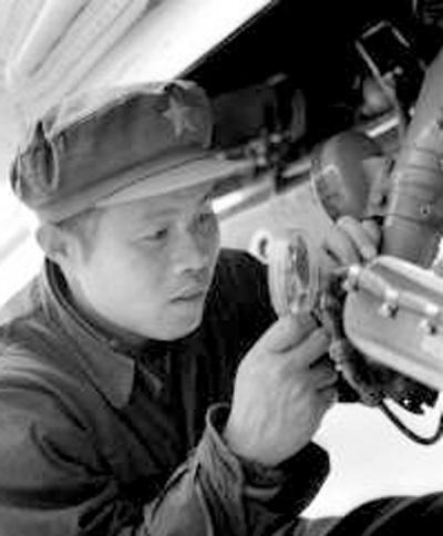 夏北浩:机务战线的模范标兵