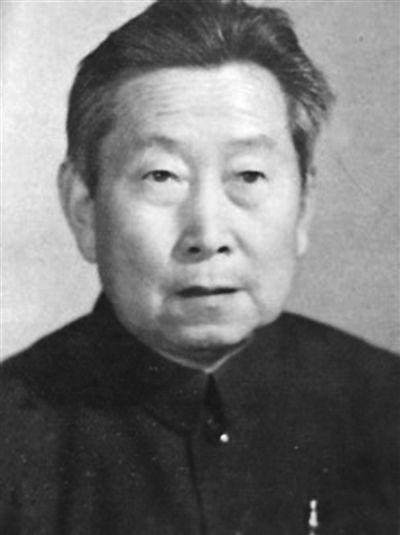 邓国忠:  文武兼备 投身革命