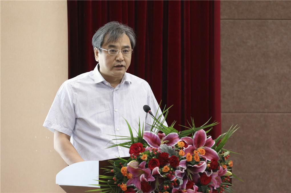 河南日报报业集团党委副书记、总经理张光辉致辞