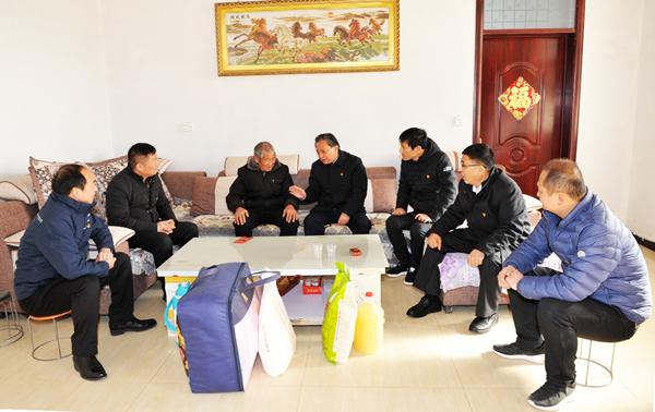 省委党史研究室主任路海江到后席村开展春节慰问活动