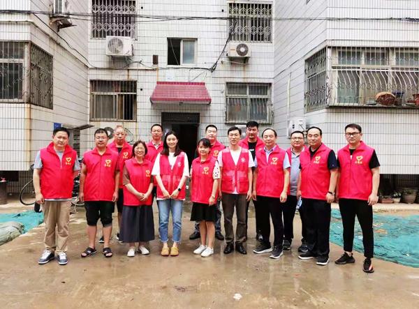省委党史研究室志愿者深入社区 助力居民恢复生活秩序
